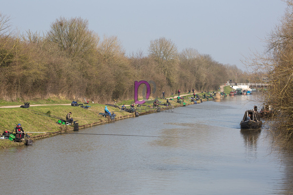 Sensas Challenge on the Gloucester Sharpness Canal - Day 2 - Sims and Rea