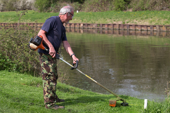 Stroud & District Angling Club - Work Party Southfield Farm 21st